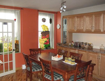Le 253 Couette et café / Bed and Breakfast